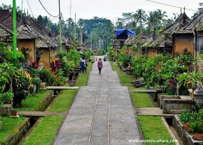 Desa Panglipuran BALI, Menjadi Destinasi Favorit Karena Kebersihan, Keindahan dan Kehidupan Tradisional Yg Masih Terjaga Dengan Baik